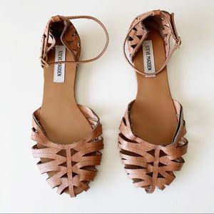 Steve Madden closed toe boho sandals